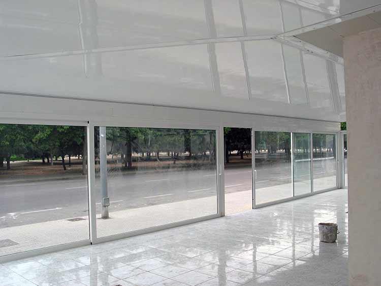 Cerramientos de aluminio para terrazas poble nou barcelona for Perfiles de aluminio barcelona