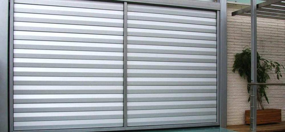 Fabricaci n e instalaci n de persianas en aluminiodiagonal for Ventanas con persianas incorporadas