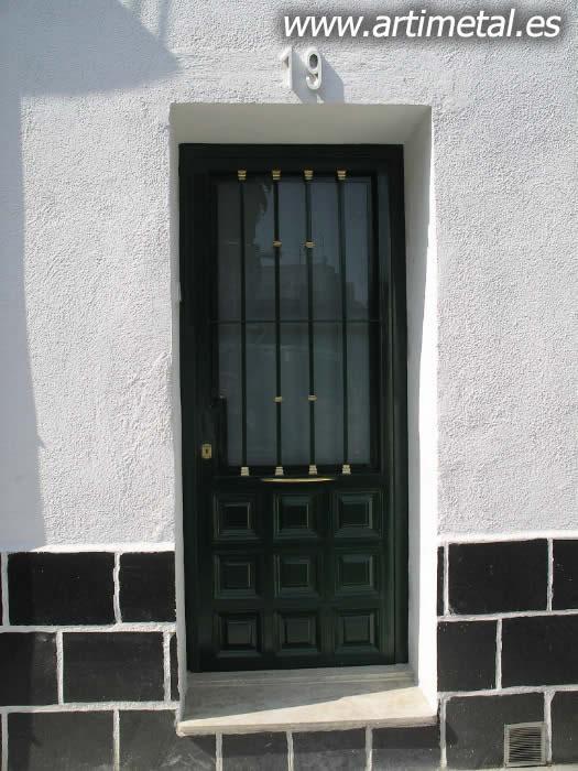 casa en constructor instalacion de puertas de entrada