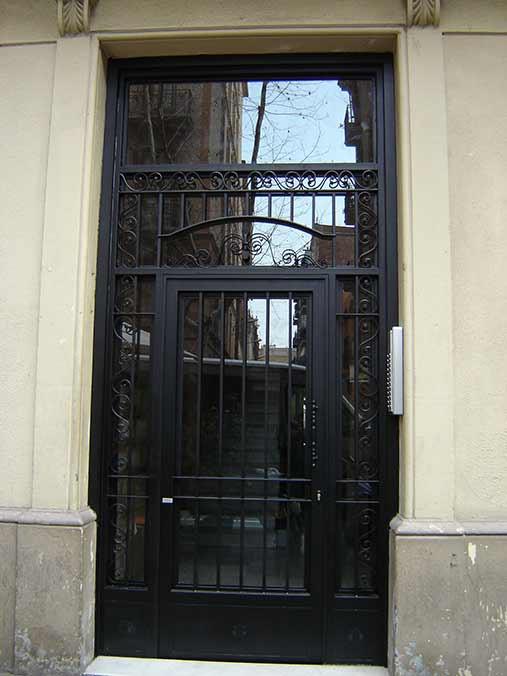 Casa en constructor agosto 2016 for Puertas hierro forjado