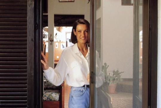 Instalaci n de mosquiteras para ventanas y puertas for Recambios mosquiteras