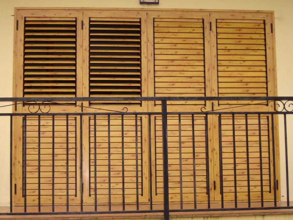 Persianas mallorquinas barcelona artimetal for Ventanas con persianas incorporadas